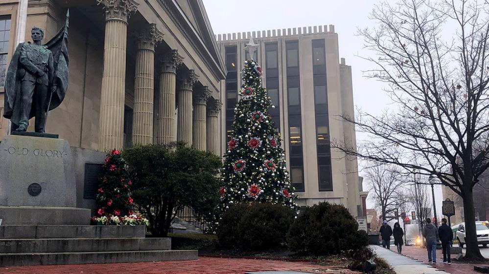 christmas downtown tree